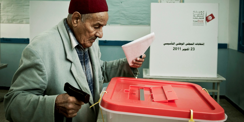 Democracy-Tunis