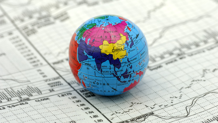Winners and losers of globalization in Europe: attitudes and ideologies